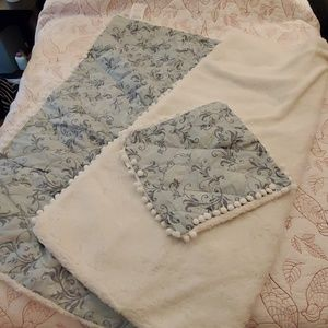 New blue and white quilted sheepskin throw set